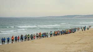 Uma corrida de 43 quilómetros pela praia