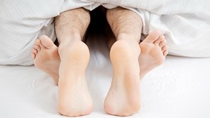 """""""Parece um clítoris"""": homem com micro-pénis conta aventuras sexuais"""