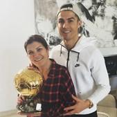 Ronaldo com a mãe, Dolores Aveiro