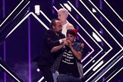 Homem invadiu o palco durante atuação do Reino Unido na Eurovisão em Lisboa