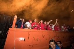 Equipa do Santa Clara celebra a subida à I Liga