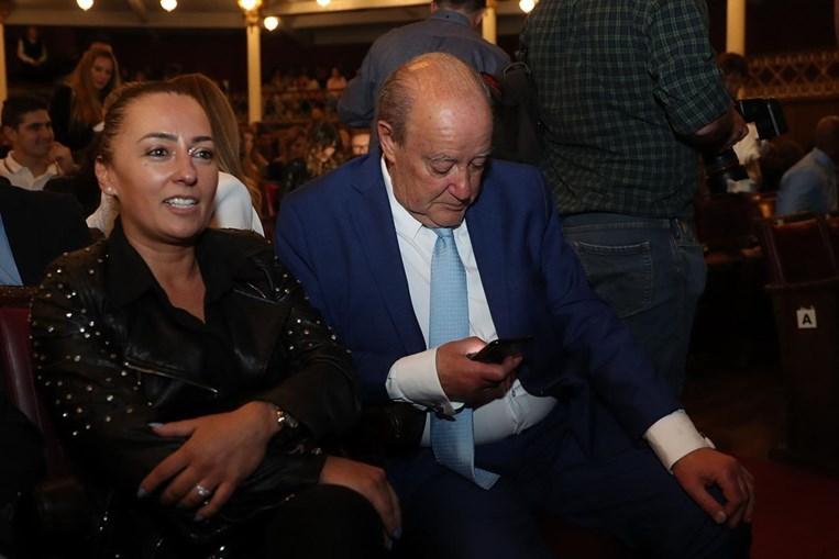 Pinto da Costa com Cláudia Campo no Teatro Sá da Bandeira, no Porto