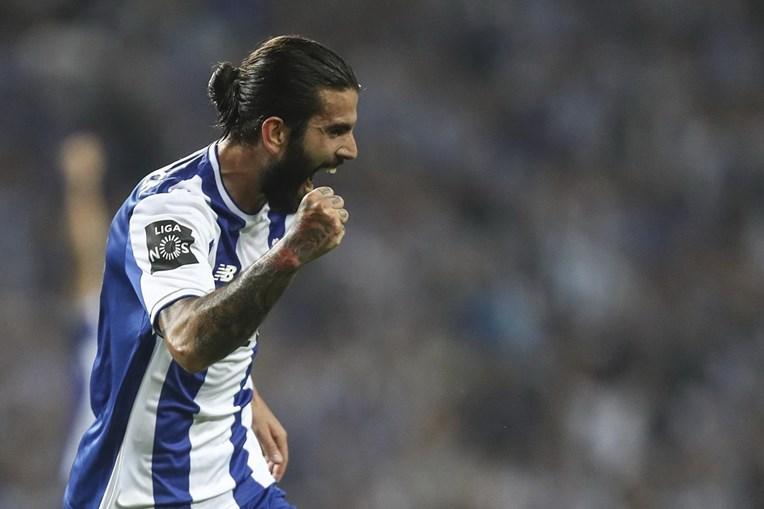 FC Porto e Feirense jogaram este domingo no Estádio do Dragão