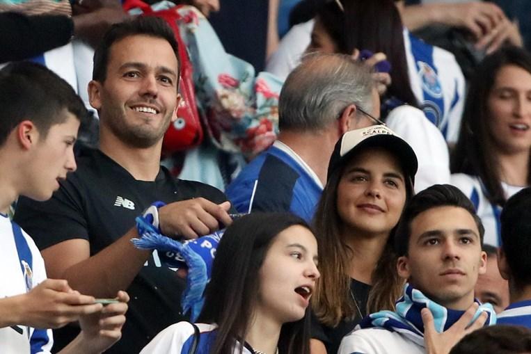 Sara Matos com o namorado Pedro Teixeira no Estádio do Dragão
