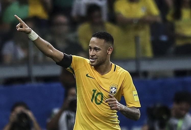 Neymar em jogo pela seleção do Brasil