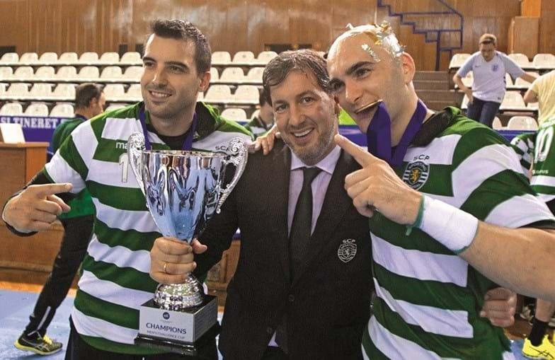 Bruno de Carvalho festejou efusivamente vitória final contra o Benfica que terá sido comprada através da arbitragem