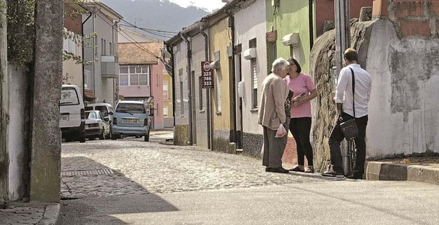 Crime ocorreu a 16 de outubro do ano passado junto à casa do arguido, Filipe Barbosa, na rua da Devesa, em Oliveira do Douro, Vila Nova de Gaia