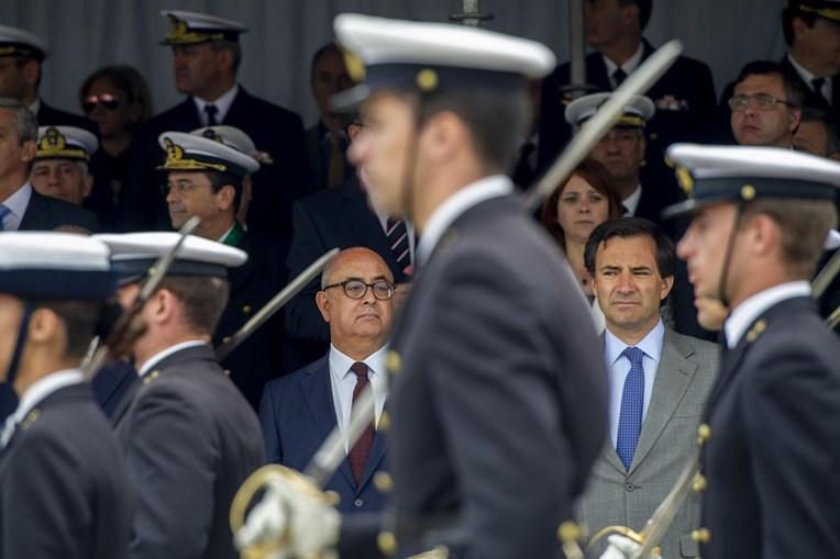 Ministro no Dia da Marinha