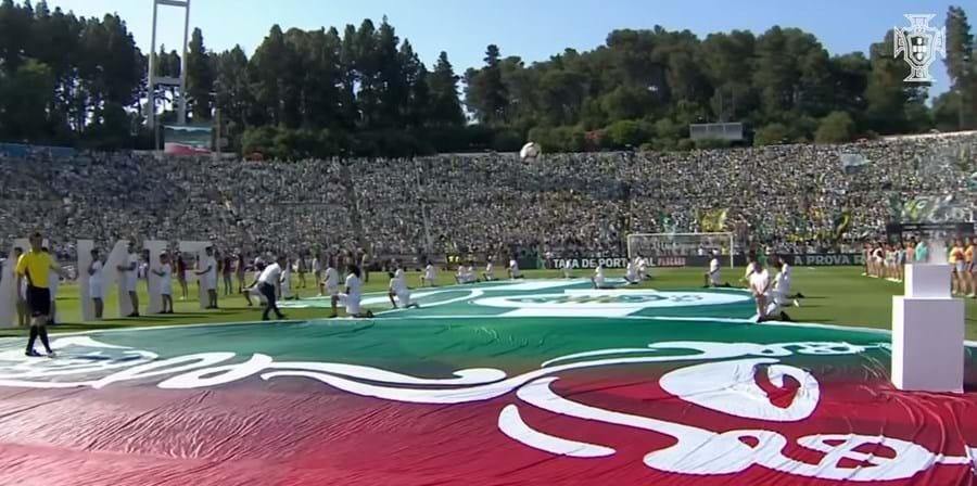 Bola da final da Taça de Portugal entrou em campo a levitar
