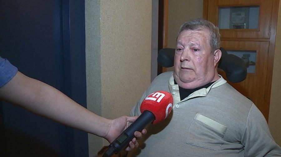Armando Silva ficou em cadeira de rodas depois de sofrer uma queda quando tentava entrar num autocarro