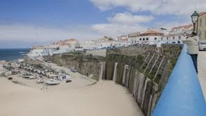 Levantada interdição a banhos na praia dos Pescadores na Ericeira
