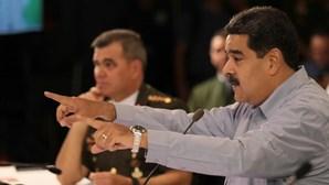 Milhares de católicos venezuelanos pedem liberdade e visita de Papa