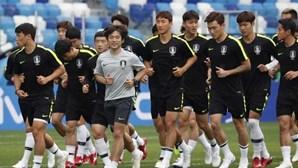 Sul-coreanos trocaram as camisolas para confundir os adversários no Mundial