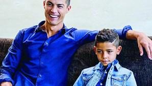 Filho de Cristiano Ronaldo grava vídeos com os primos e torna-se estrela no Tiktok