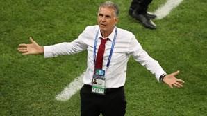 """""""Cotovelo é vermelho. Não importa se és o Messi ou o Ronaldo"""", afirma Carlos Queiroz"""