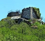Vista do castelo de Aguiar da Pena