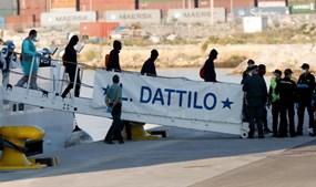 'Datillo' é o primeiro barco deste grupo a atracar.