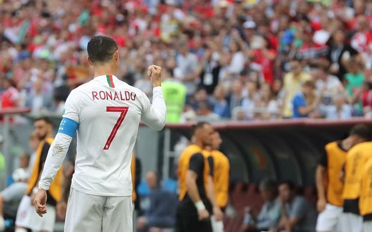 9388fde949 Cristiano Ronaldo lança novas botas para celebrar 154 jogos ...