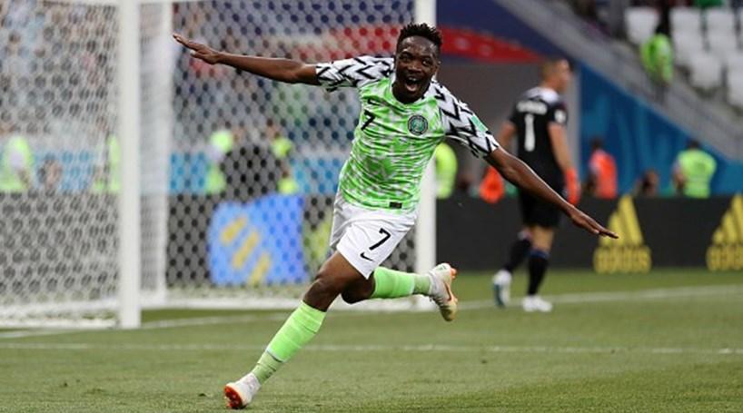 bdb2172d8a Nigéria derrota Islândia e dá esperança à Argentina - Mundial 2018 ...