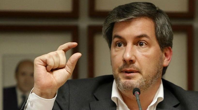 Bruno De Carvalho Acompanha Ag Ao Minuto Nas Redes Sociais