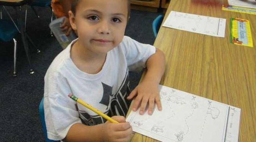 Resultado de imagem para Padrasto espanca menino de 10 anos até à morte porque assumiu ser gay