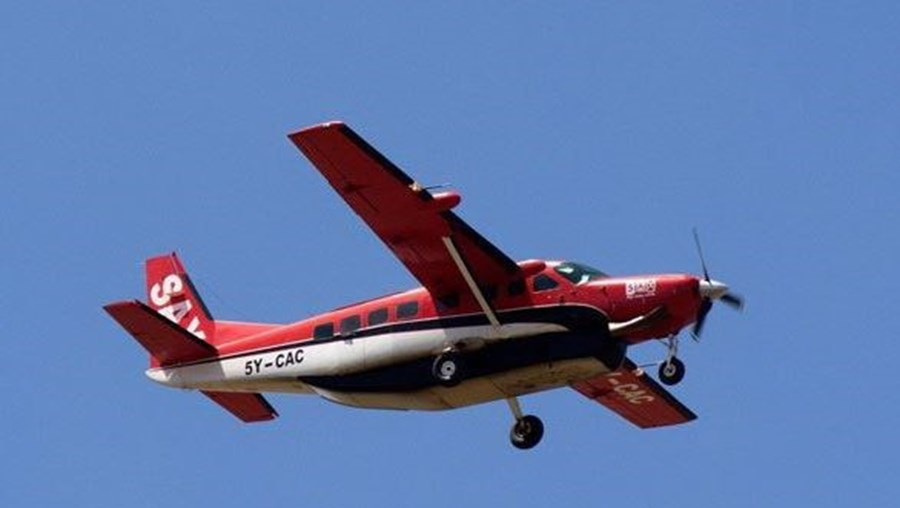 Avião Fly540