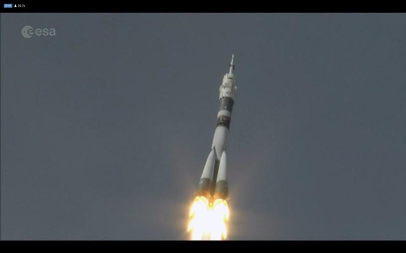 Trio de astronautas parte para a Estação Espacial Internacional