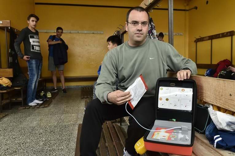 Bruno Soares é o professor que fez as manobras e conseguiu reanimar o aluno Lucas Neves, do 11º ano