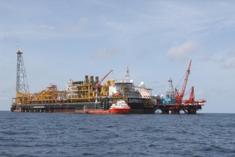 Exploração de petróleo em Angola