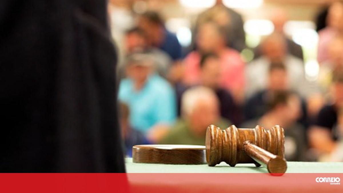 Condutor que matou casal em Vila do Conde condenado a três anos de pena suspensa - Correio da Manhã