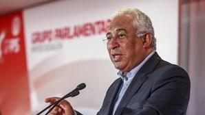 """Costa promete """"incentivos fortes"""" para emigrantes regressarem a Portugal"""