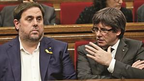 Tribunal suspende líderes separatistas da Catalunha