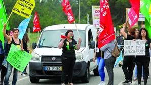 Trabalhadores do Centro de medicina e reabilitação de Cantanhede em protesto