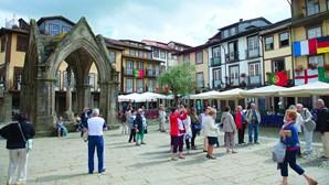 Câmara de Guimarães quer acabar com utilização de copos de plástico descartáveis
