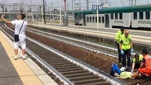 Selfie com mulher atropelada com comboio gera indignação