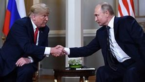Trump adia cimeira com Putin