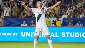 Ibrahimovic renova com o AC Milan por uma temporada