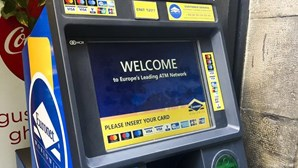 Máquinas multibanco substituídas por ATM que cobram comissões