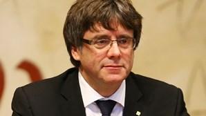 Puigdemont sai em liberdade mas com proibição de sair da Sardenha