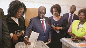 Zimbabwe foi às urnas nas primeiras eleições sem Mugabe