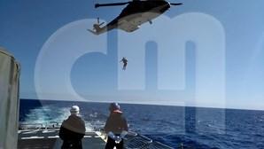 """Fuzileiros e PJ libertam sequestrado no mar em operação """"de filme"""""""