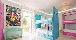 O Blue Boutique hostel & suites é decorado com elementos com ligação ao sol e aos dias quentes