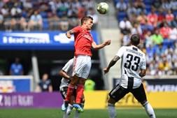 Juventus (sem Ronaldo) vence Benfica nos penátis