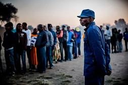 Zimbábue vota esta segunda-feira na primeira eleição após a saída de Mugabe