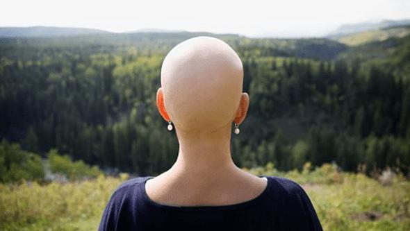 """Atrasos no diagnóstico devido à Covid-19 geram """"montanha de casos"""" de cancro hereditário"""