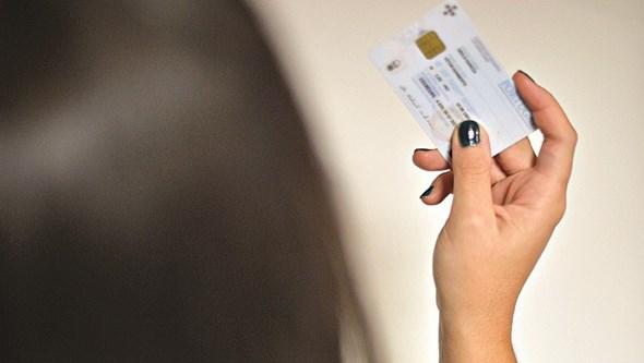 Se tem mais de 25 anos e quer renovar o Cartão de Cidadão já o pode fazer sem sair de casa
