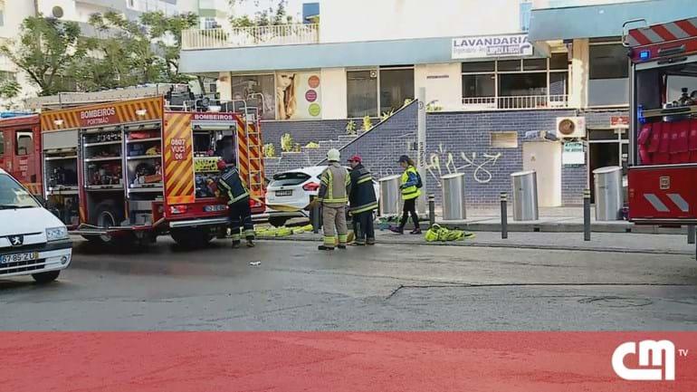 f15a186452d Incêndio arrasa loja e gera pânico em Portimão - Portugal - Correio ...