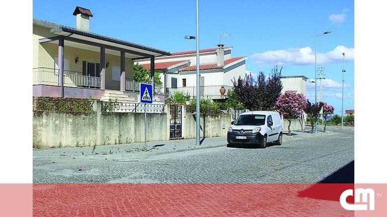 2e7fa24fc44 Bombeiro agredido com catana em Vila Flor - Portugal - Correio da Manhã