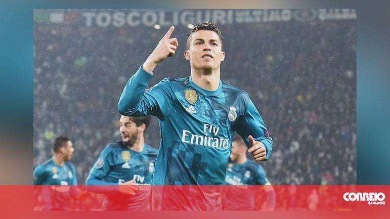 fbaef78a3 Ronaldo sobe ao Top 3 dos salários dos futebolistas - Desporto - Correio da  Manhã
