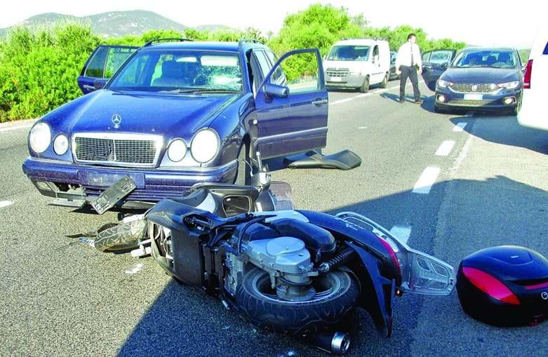 Clooney sofre acidente de mota